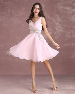 Homecoming Dress Chiffon V Neck Sleeveless Pleated Knee Length Cocktail Dress