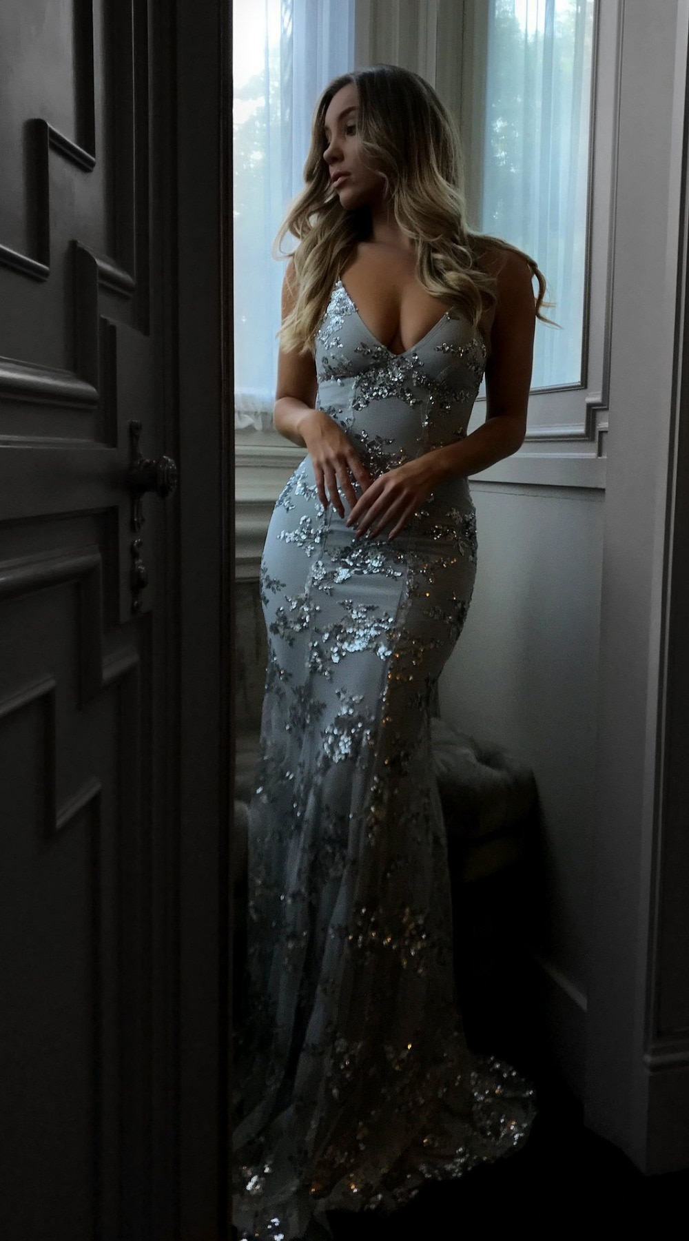 Sexy Party Dress Sleeveless Straps Glitter Sequins Backless Long Dress Women Maxi Dress 9