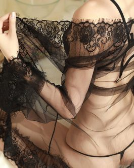 Girl sexy opening Croce transparent lace bra and panty set