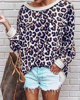 Scoop Necked Leopard Print Sweatshirt