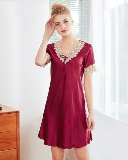 Faux Silk Lace V-neck Short Sleeve Nightgown