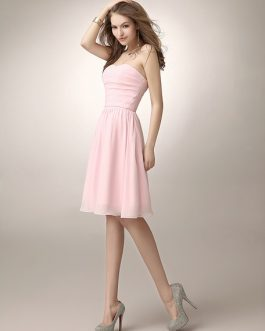 Knee-Length Ruched Chiffon Bridesmaid Dress With Elegant A-line Sweetheart Neck