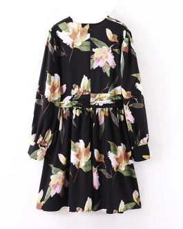 Vintage Floral Print V Neck Mini Dress
