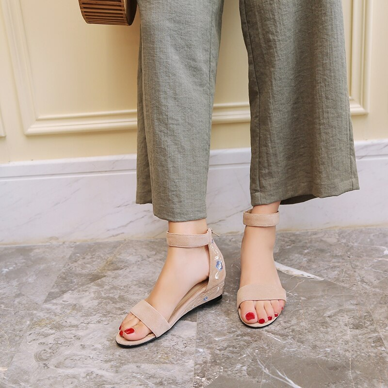 Ankle Strap Embroider ashion Casual Shoes 9.3