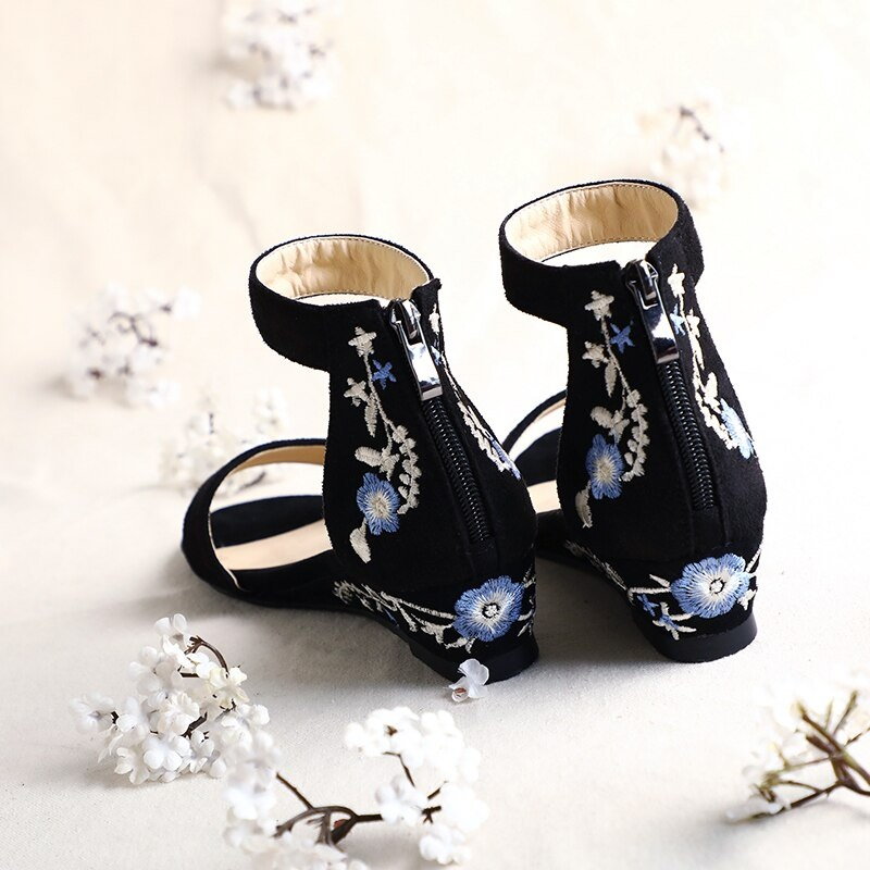 Ankle Strap Embroider ashion Casual Shoes 9.8