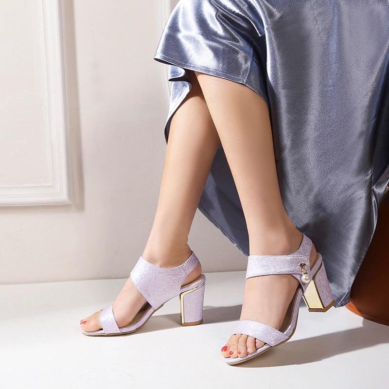 Block Heel Open toe Sandals 10.6
