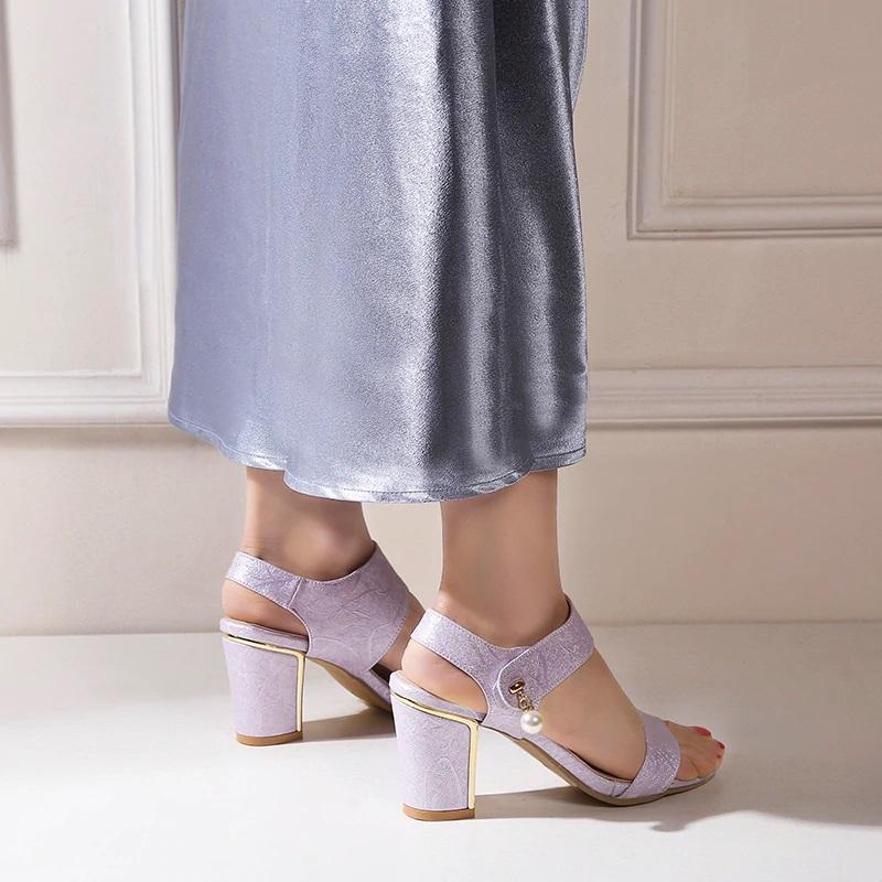 Block Heel Open toe Sandals 10.7