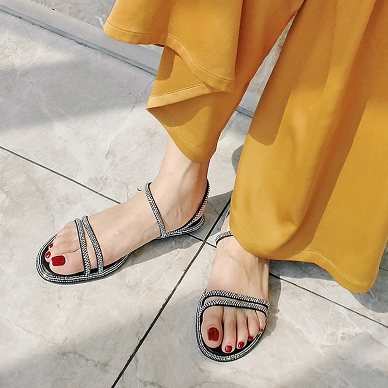 Casual Fashion Ankle Strap Flat Sandals 7.2 1