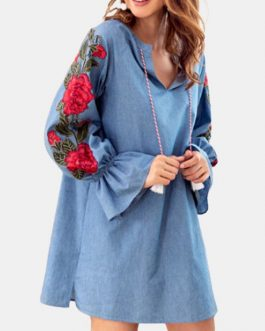 Vintage Flower Embroidery Elastic Sleeve Notched Neck Mini Dress