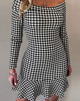 Sexy one line collar Check ruffle dress