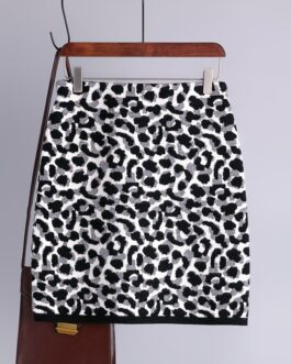 Fashion Retro Elastic High Waist Leopard Knitted Street Wear Short Skirt