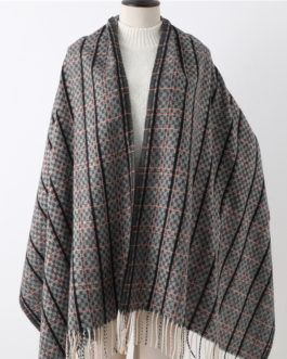 Luxury Plaid Tassel Scarves