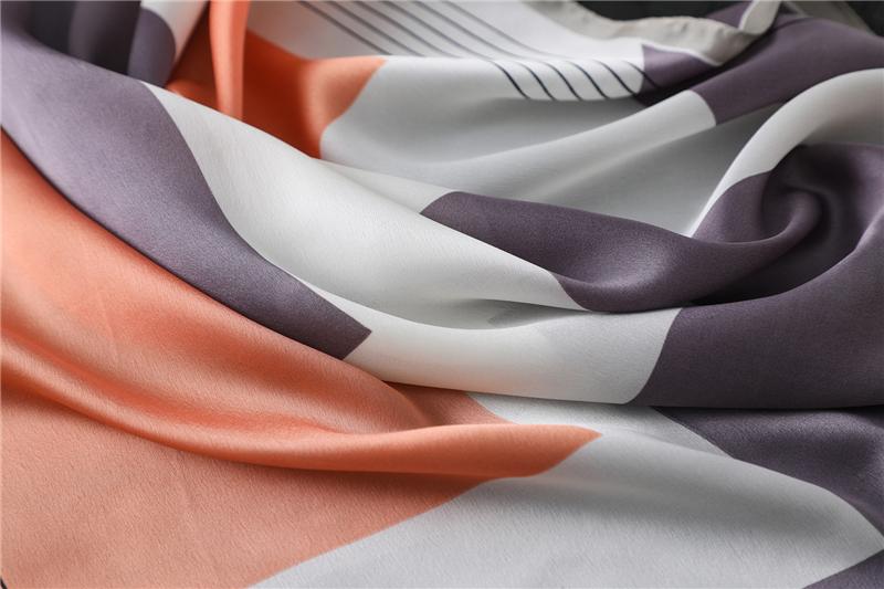 Fashion Geometric Print Silk Square Scarf2