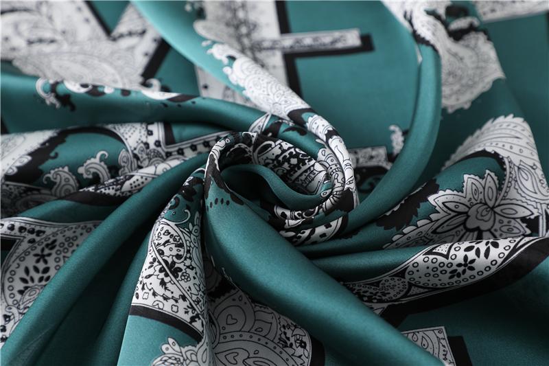 Fashion Latter Print Silk Square Scarf3