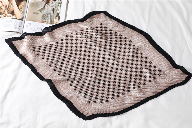 New Design Crinkle Dot Print Silk Scarf5