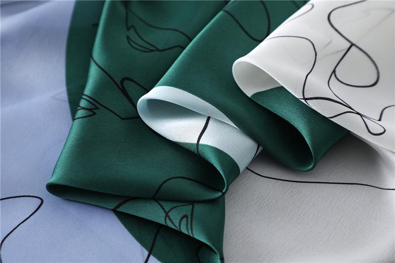 New Design Print Lady Square Silk Scarf7